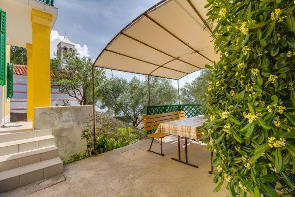 apartments-meri-martinscica18860E89D9-48A6-43EA-9A2B-A49839DDB1BC.jpg
