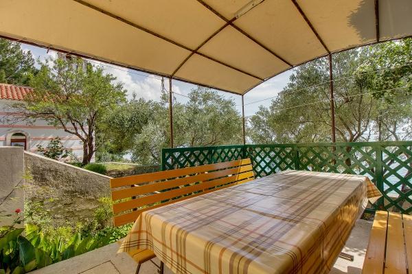 apartments-meri-martinscica2090659E98-19E1-417F-8D40-2616E8C77683.jpg
