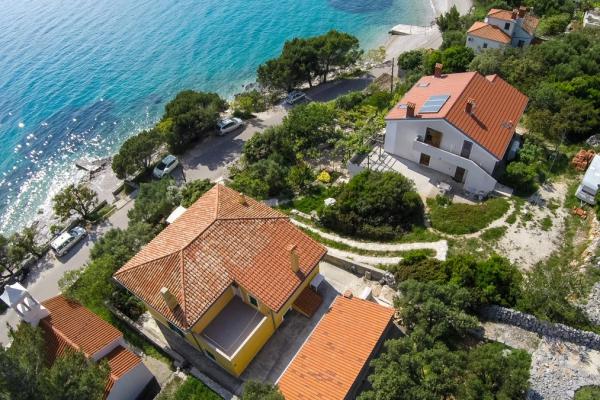 apartments-meri-martinscica49156438B2-6CBB-4283-A693-CAAF57A905F7.jpg