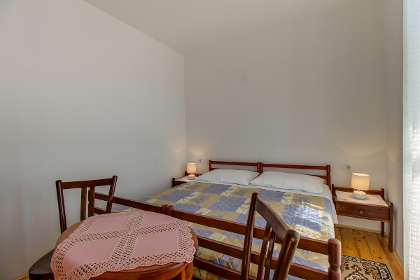 apartments-meri-martinscica640E68EA53-D5D4-4937-A1E8-9994152D718E.jpg