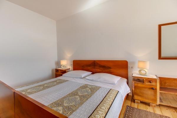 apartments-meri-martinscica693501A370-0B1B-4E6B-962F-F1D7FED7C0B5.jpg