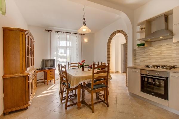 apartments-meri-martinscica98121E732F-43AF-430B-9283-8E9D099D9C2E.jpg