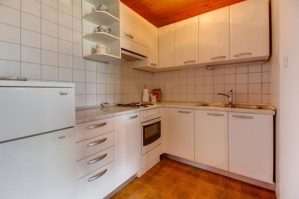 apartments-meri-miholascica04F434D06B-4871-4369-A097-8D76994B96B9.jpg