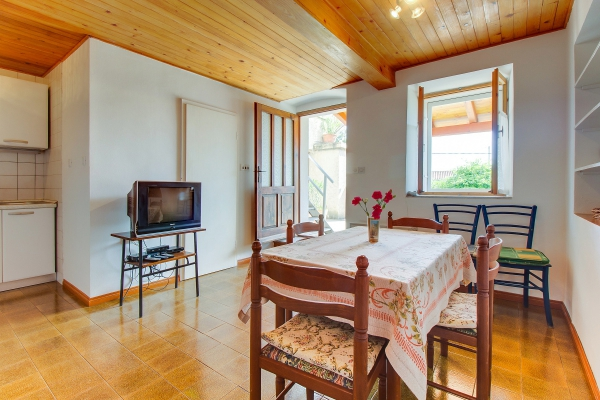 apartments-meri-miholascica057D8430D7-742C-49B4-B6A8-191C6D19415D.jpg