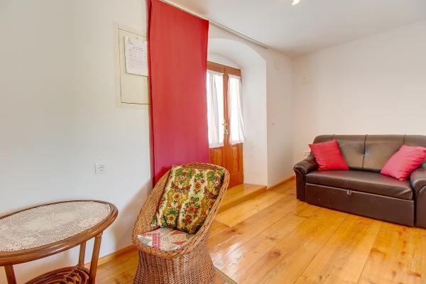 apartments-meri-miholascica068AF44A33-54BE-4269-985C-B4C99CCCD30D.jpg