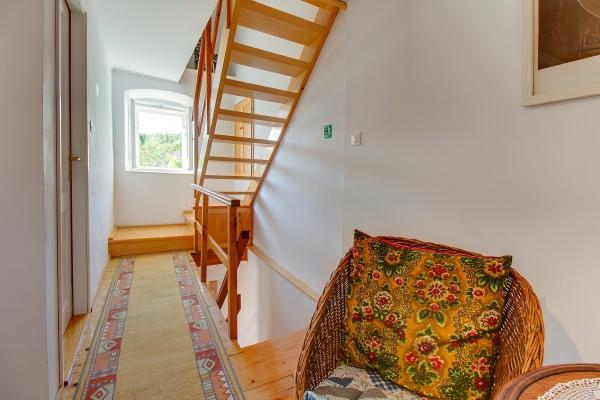 apartments-meri-miholascica08445EB994-A138-43A0-B413-66A7E7C6CF59.jpg