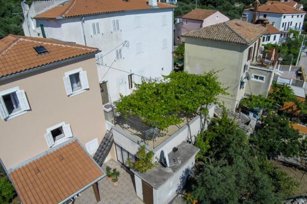 apartments-meri-miholascica316262681D-0D26-4B8E-811B-2AAED9879269.jpg