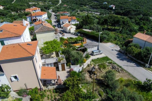apartments-meri-miholascica335BC9DC1A-6B14-46FF-BD30-55E77008AD44.jpg
