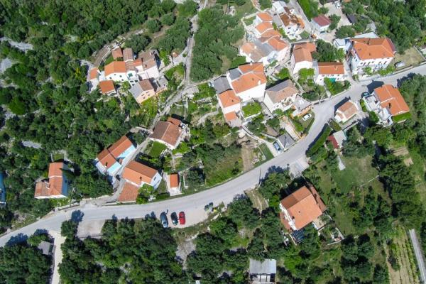 apartments-meri-miholascica41ACB209C6-CD32-45C1-9C2B-F8D833404811.jpg
