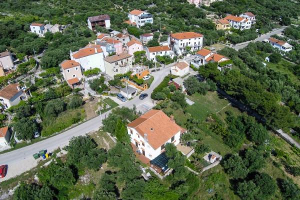 apartments-meri-miholascica6064214B68-CE99-456D-90EA-36B8C58B7A5B.jpg