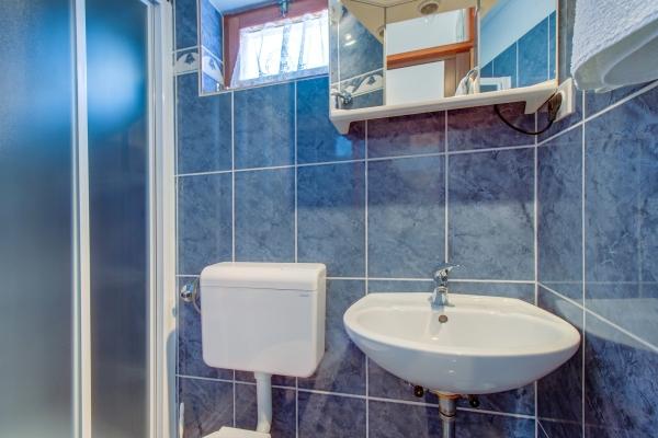 apartments-wilma255B0133B0-E551-4D09-A20F-E0D9D5102411.jpg